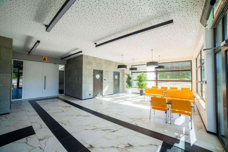 gastrombel frankfurt cheap best sofa gebraucht pers with sofas gebraucht with gastrombel. Black Bedroom Furniture Sets. Home Design Ideas