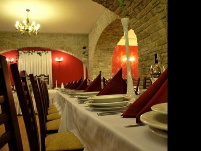 Krosno Domy Weselne Sale Restauracje Hotele Opinie Wolne